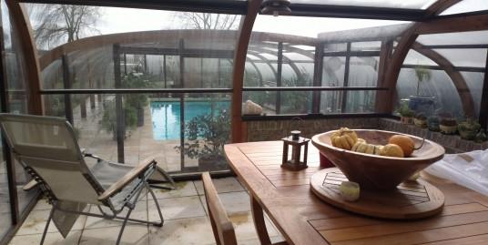 Superbe pavillon avec piscine