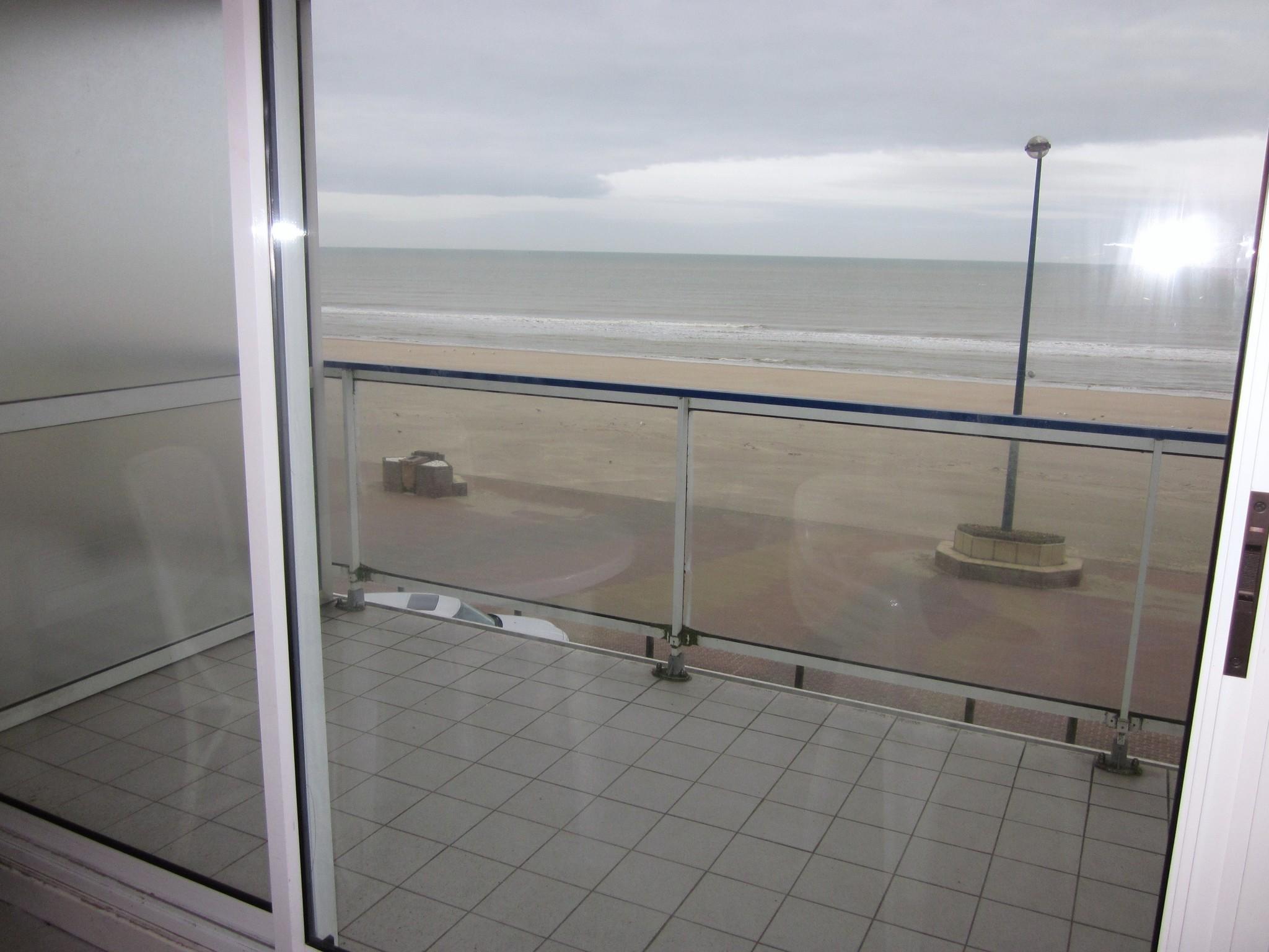 Type 3 avec balcon face mer et  terrasse sud