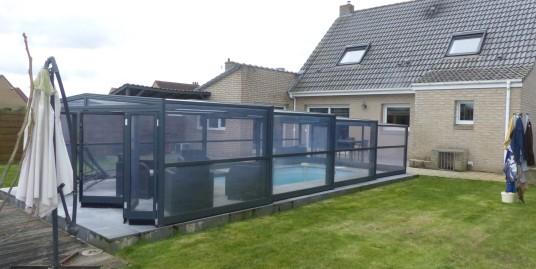 Beau pavillon de 2002 avec piscine