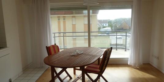 Agréable studio en résidence avec gd balcon sud