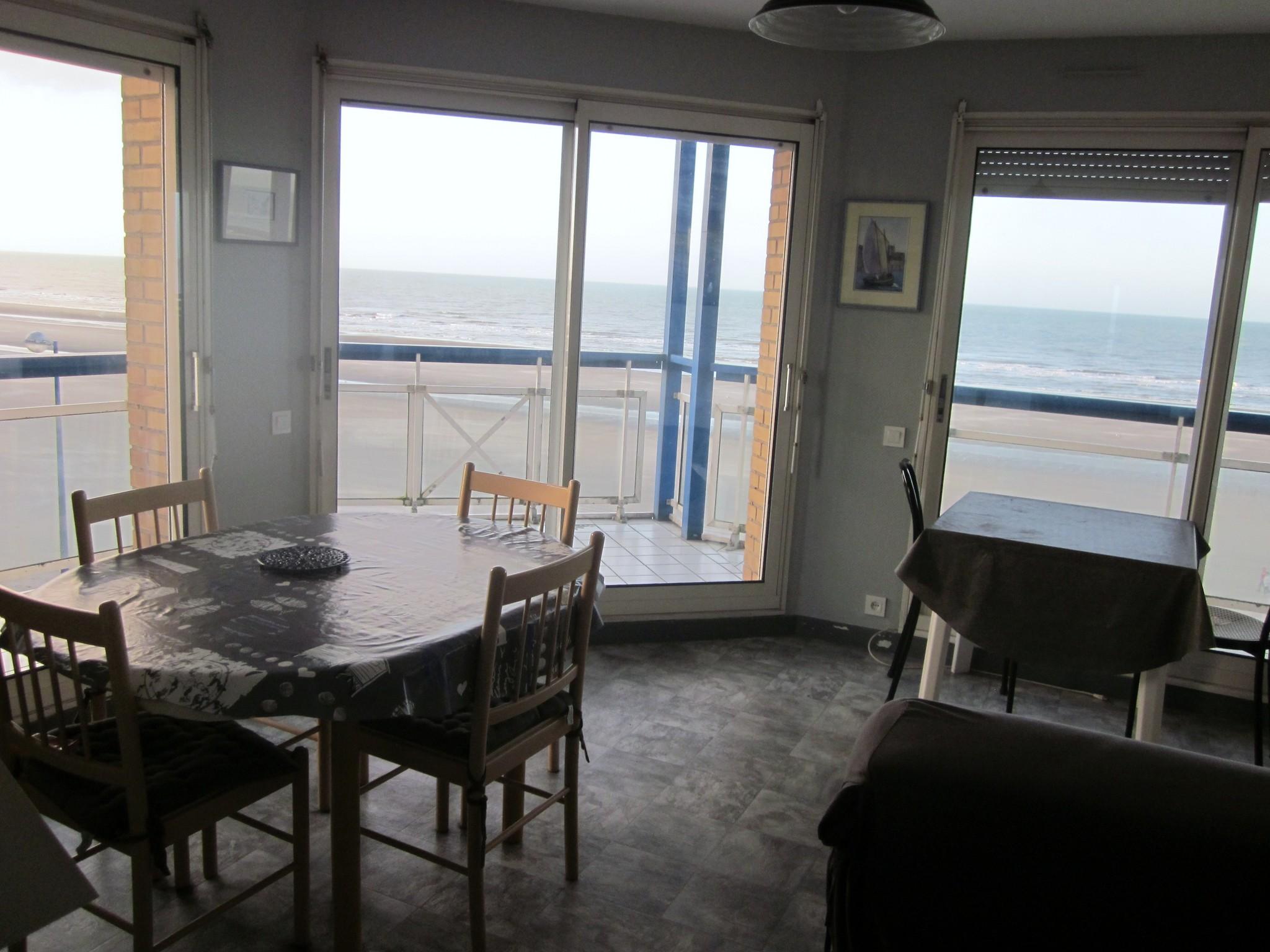 Type 2 cabine avec gde terrasse face mer