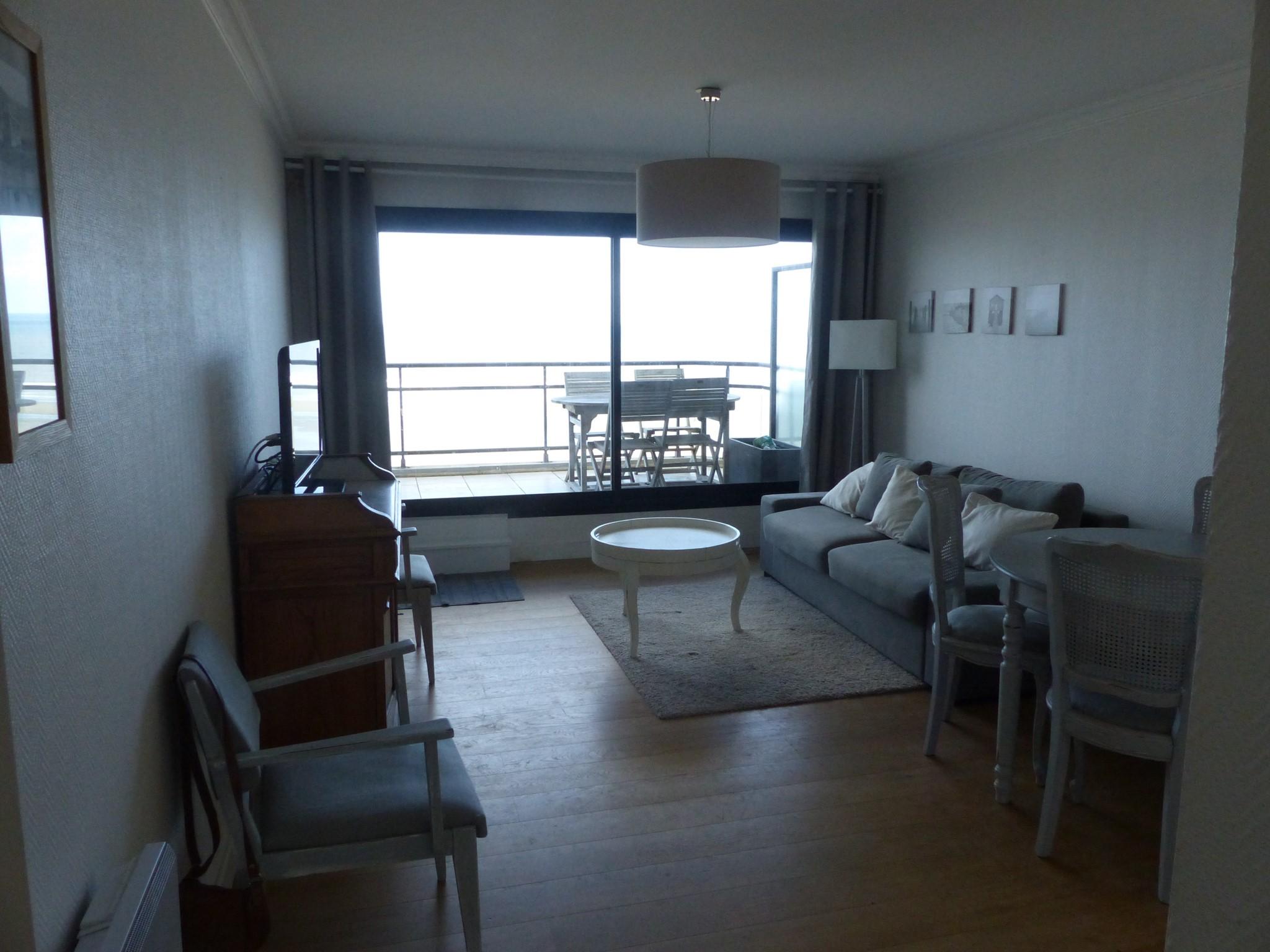 Type 3 face mer avec balcon et terrasse